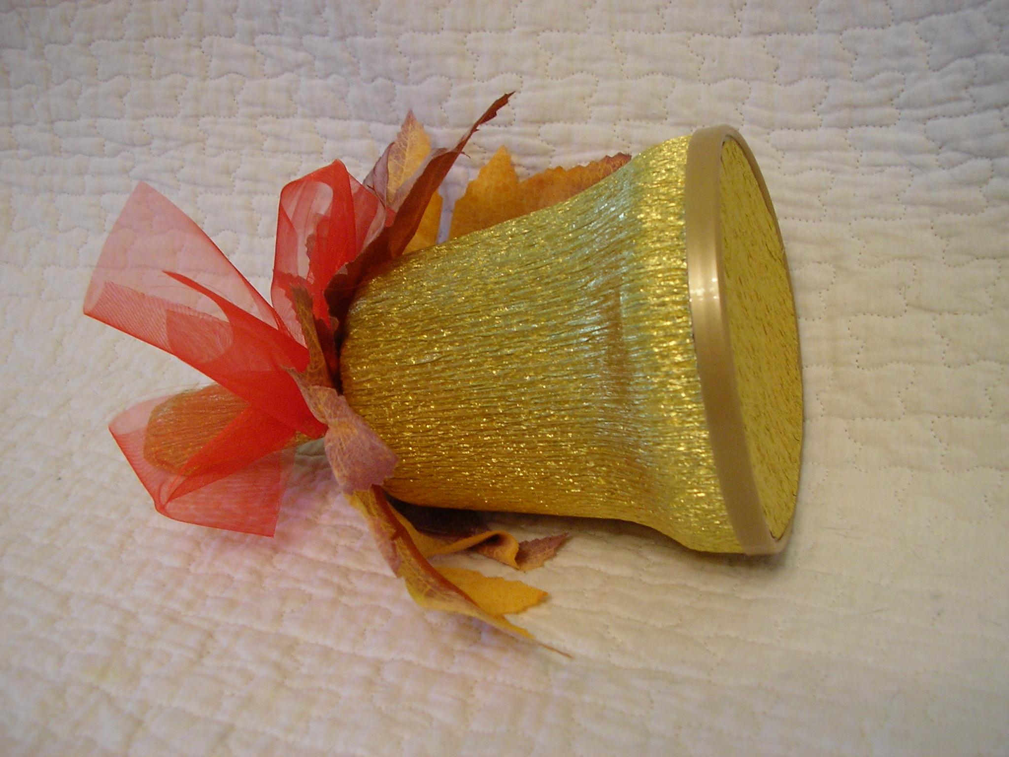 Колокольчик из конфет своими руками